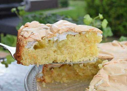 пирог с ревенем и безе